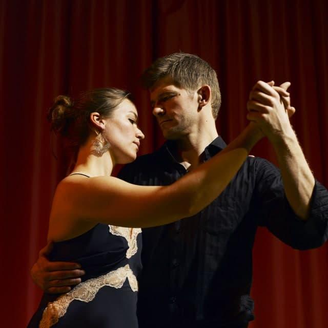 Camilla Fjellhaug og Kim Matzen tangodansere